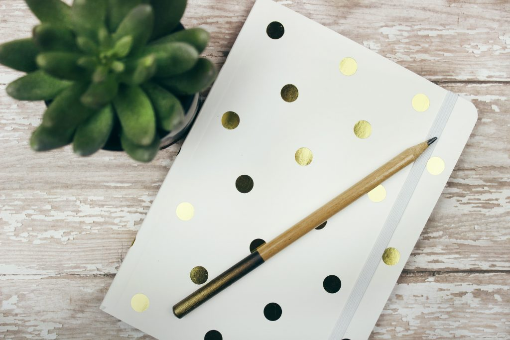 Writing Pad by Jen Theodore Unsplash